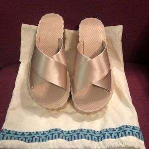 Tory Burch sandals NWOT includes dustbag